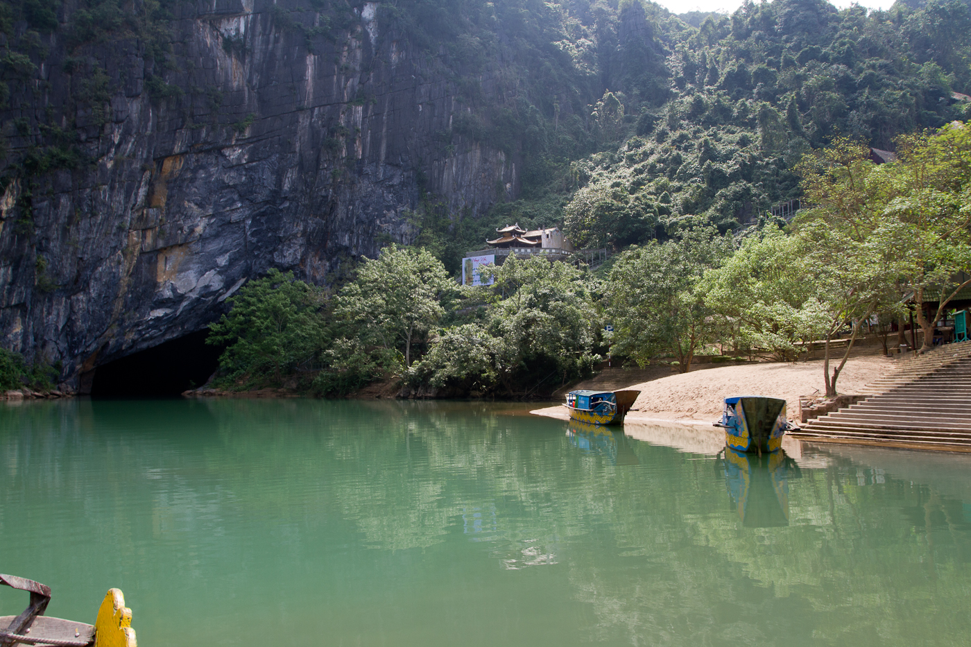 On the way to Phong Nha cave via the underground river.
